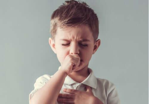 Tics bij kinderen: kenmerken en behandeling