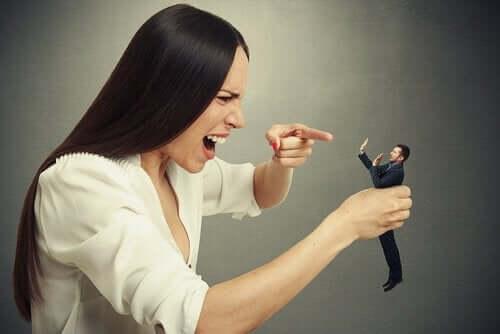 Als narcisten denken dat ze meer weten dan experts