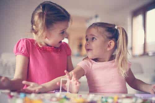 De ontwikkeling van empathie in de kindertijd