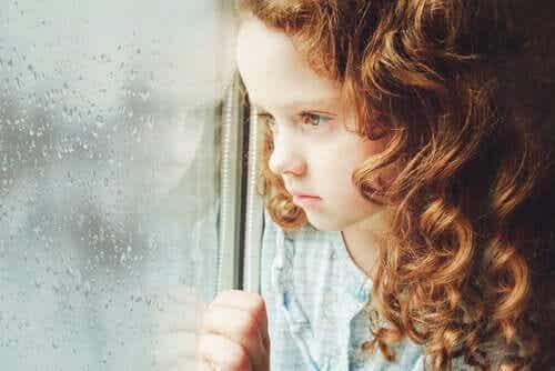 Gevoelens van leegte en eenzaamheid bij kinderen