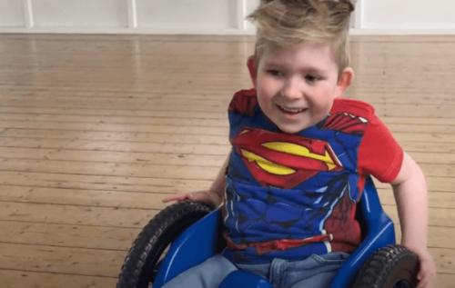 Noah Wall, het verhaal van het kind met hersengroei