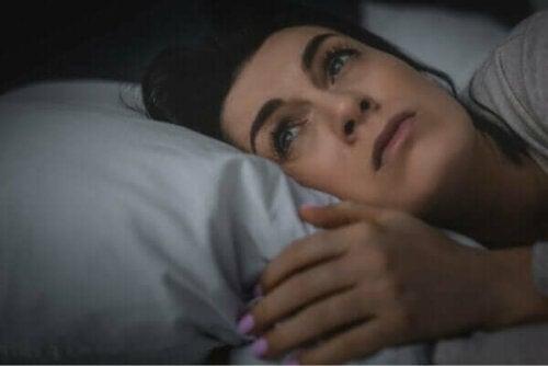 Slecht slapen kan ervoor zorgen dat je je eenzaam voelt