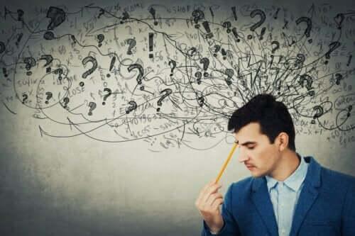 Het verschil tussen abstract en concreet denken