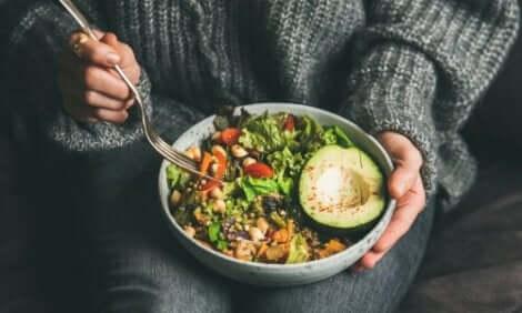 Een salade in een schaaltje