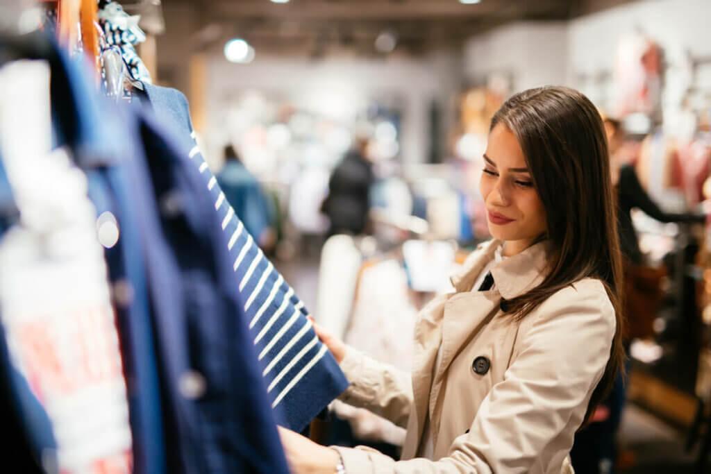 Muziek in kledingwinkels beïnvloedt wat we kopen
