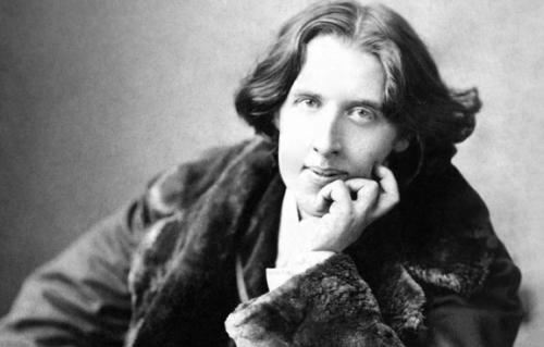De biografie en beruchte opsluiting van Oscar Wilde
