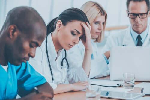Het burn-outsyndroom bij gezondheidszorgdeskundigen