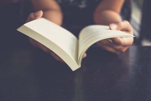 Wat gebeurt er met je hersenen als je leest?
