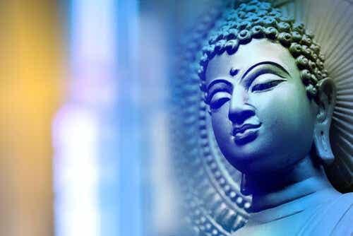 Een afbeelding van het hoofd van een boeddhabeeld