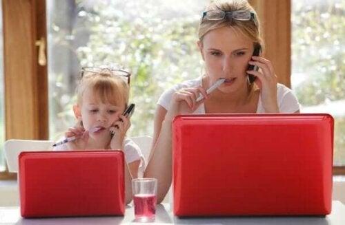 Waarom imiteren kinderen volwassenen?