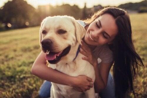 Waarom houden sommige mensen van dieren en andere niet?