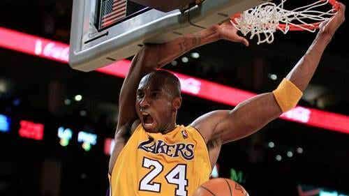 Kobe Bryant aan het spelen