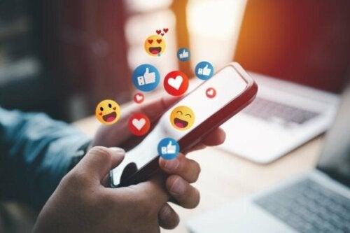 Zeven voordelen van een tijdje uitloggen van sociale media