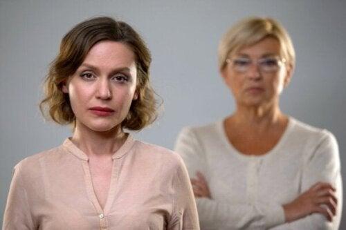 Vijf effecten van scheiden van een giftige moeder